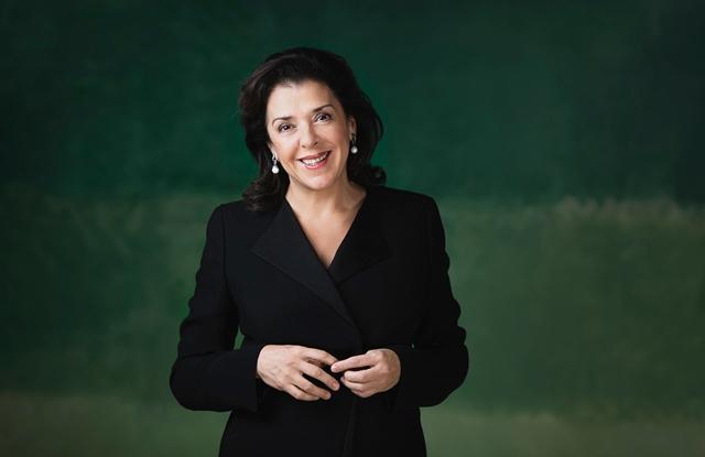 Елена Башкирова гостува на Софийската филхармония