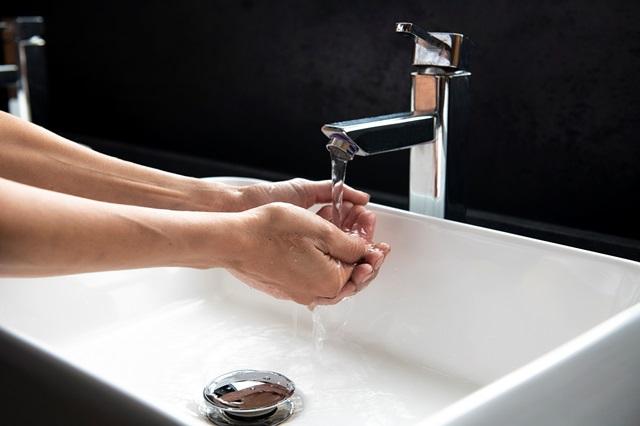 80% от българите мият и дезинфекцират ръцете си