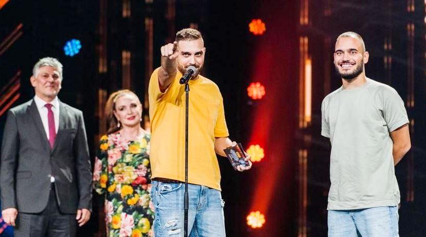 Тото триумфира на наградите на БГ Радио